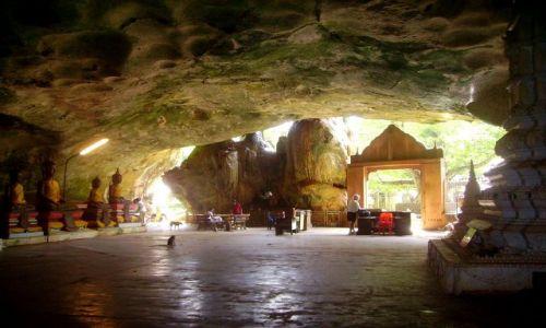 Zdjecie TAJLANDIA / południowa Tajlandia / jaskinia Monkey Cave Temple / Monkey Cave Temple