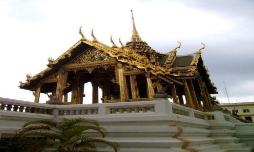 Zdjecie TAJLANDIA / Bangkok / świątynia przy pałacu królewskim / małe jest piękne