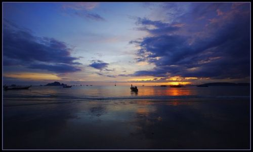 Zdjecie TAJLANDIA / Krabi / Ao Nang / Koniec dnia w A