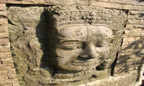Zdjęcie TAJLANDIA / Ayuttaya / Ayuttaya / ... z kamienną twarzą ...