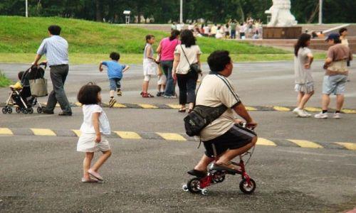 Zdjecie TAJWAN / Kaohsiung / Okolice Wenhua Zhongxin / Tato oddaj mi rowerek... ;-)