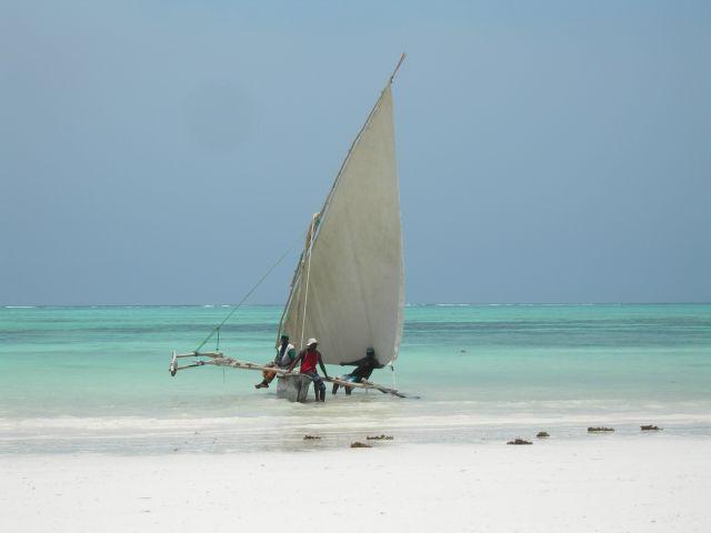 Zdjęcia: Wschodnie Wybrzeże Zanzibaru, Zanzibar, Czekając na kasę, TANZANIA