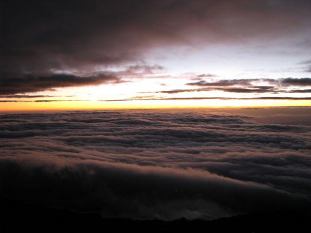 Zdjęcia: Kilimanjaro - wys. 5896, Afryka, , Wschód słońca ze szczytu Kilimanjaro, TANZANIA