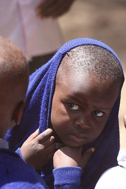 Zdjęcia: Gdzieś w Tanzanii, W swetrze, TANZANIA