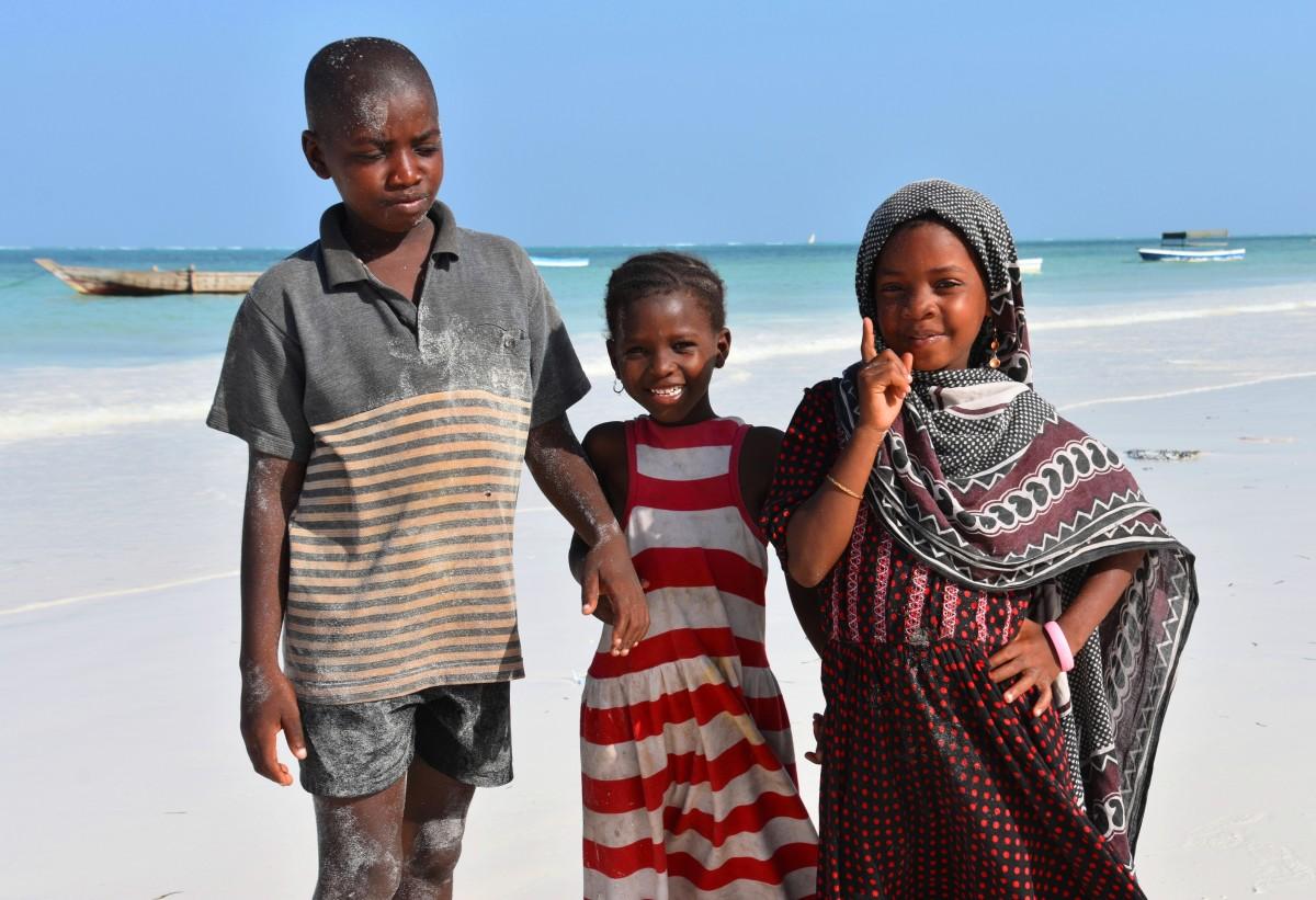 Zdjęcia: wschodnie wybrzeże, Zanzibar, Dzieci z wioski, TANZANIA