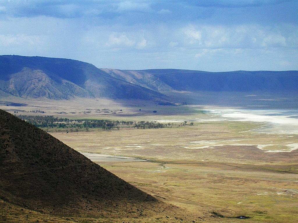 Zdjęcia: krawędź kaldery, trasa Mto Wam Bu - P.N. Serengeti, kaldera Ngorongoro, TANZANIA