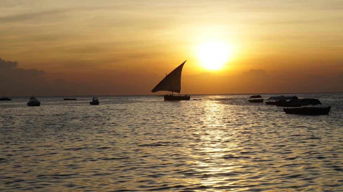 Zdjęcia: Stone Town, Zanzibar, Zachód słońca na Oceanie Indyjskim, TANZANIA