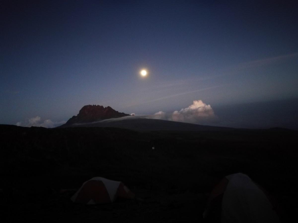 Zdjęcia: Kilimandżaro, Kilimandżaro w świetle księżyca., TANZANIA