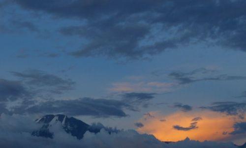 Zdjęcie TANZANIA / - / Moshi / Kilimanjaro o zachodzie 2