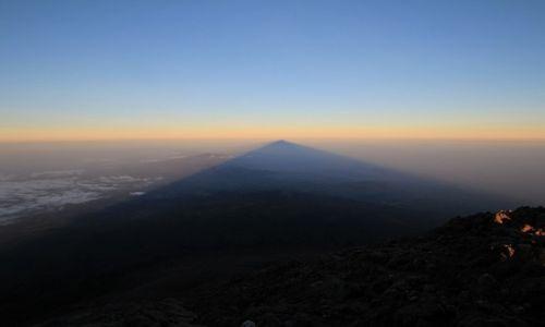 Zdjęcie TANZANIA / Arusha National Park / Mount Meru / Cień Mount Meru