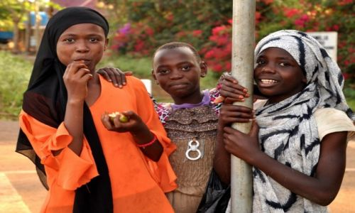 Zdjęcie TANZANIA / Arusha / Arusha / Koleżanki