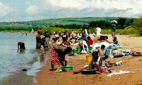 Zdjecie TANZANIA / Jezioro Tanganika / Ujiji / Sobotnie pranie