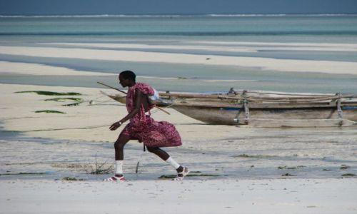 Zdjecie TANZANIA / Afryka, Zanzibar / Paje / Masaj na plazy