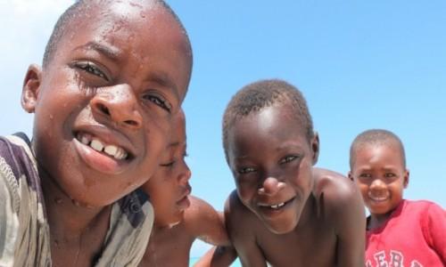Zdjecie TANZANIA / Zanzibar / Nungwi / Dzieci w Nungwi
