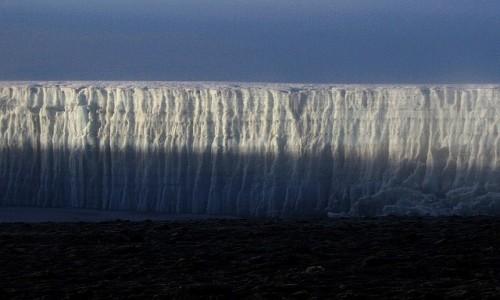 Zdjecie TANZANIA / masyw Kilimandżaro / wierzchołek Uhuru 5895 m. / na szczycie