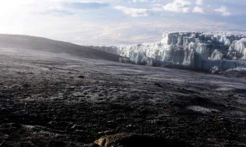 Zdjęcie TANZANIA / masyw Kilimandżaro / wierzchołek Uhuru 5895 m. / na szczycie
