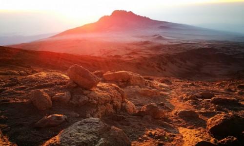 Zdjecie TANZANIA / - / Kilimandżaro / Świt nad Afryką