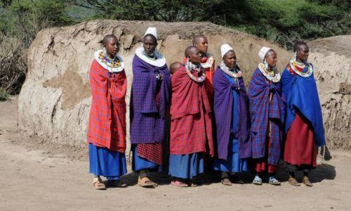 Zdjecie TANZANIA / Serengeti / wioska masajska / Masajki