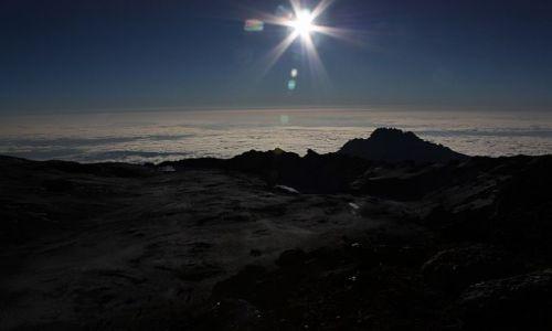 TANZANIA / - / Widok z drogi na Kilimandżaro / Chmury nad Tanzanią