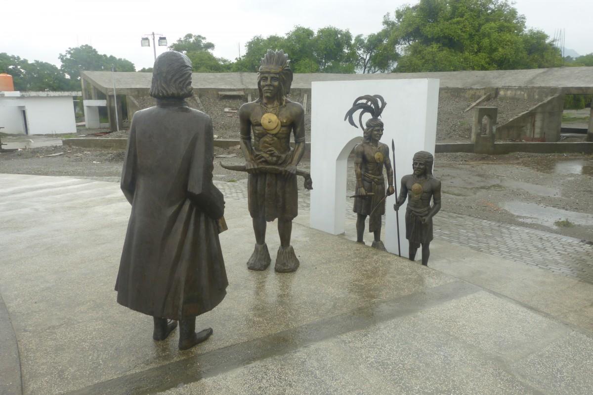 Zdjęcia: Ambeno, Oecussi, Pomnik, TIMOR WSCHODNI