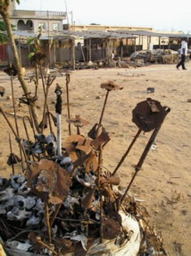 Zdjęcia: stolica: LOME , Afryka , fetysze voodoo, TOGO