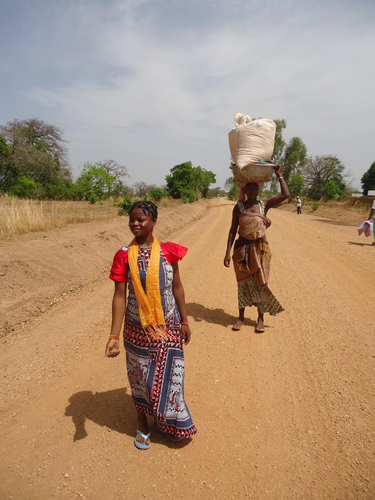 Zdjęcia: Koutammakou, Region Kara, W drodze do Nadoby, TOGO