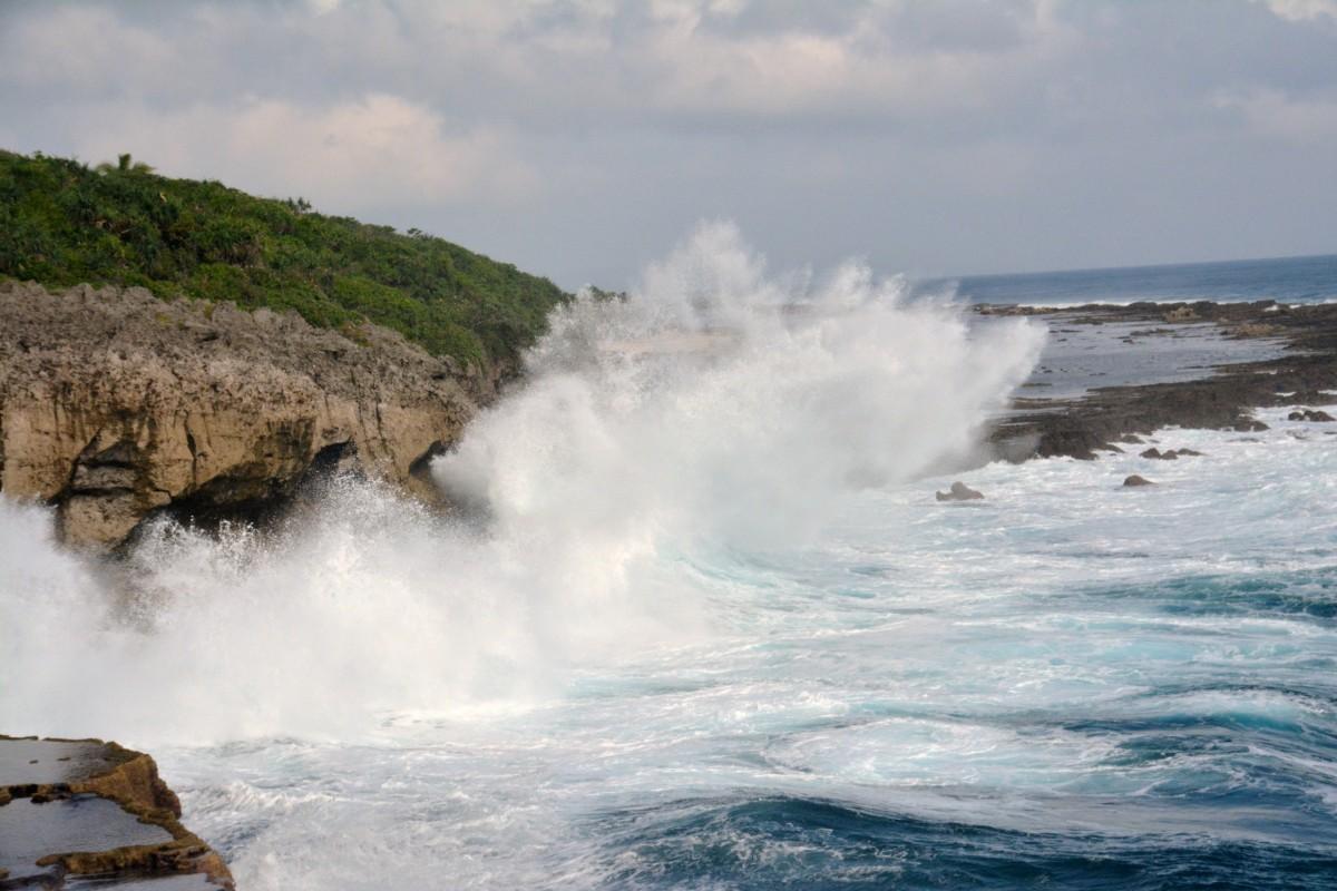 Zdjęcia: Plaża Fua amotu, Tongatapu, Bitwa wody z lądem, TONGA