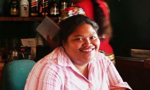 Zdjęcie TONGA / Vava'u / południowy Pacyfik / Kobiety z resortu 3