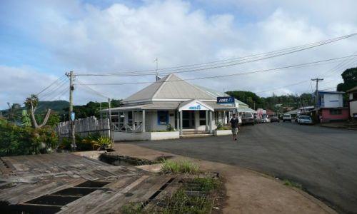 Zdjęcie TONGA / Neiafu / Centrum miasta / Kolejny bank
