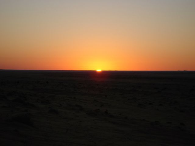 Zdjęcia: Djerba, Djerba, zachód słońca nad piaskiem, TUNEZJA