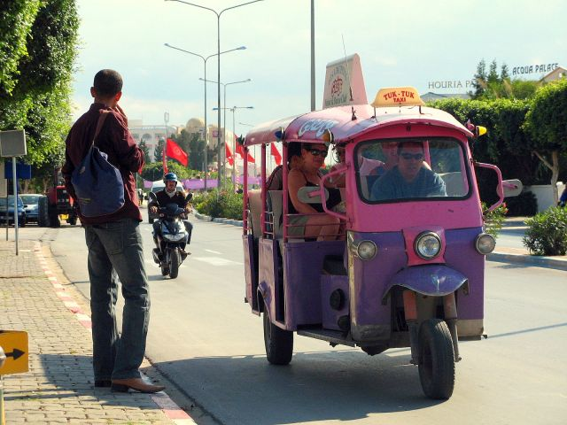 Zdjęcia: Tuk Tuk Taxi jeździ z Sousse do Port el-Kantaoui, Jak dojechac do Port el-Kantaoui?, TUNEZJA