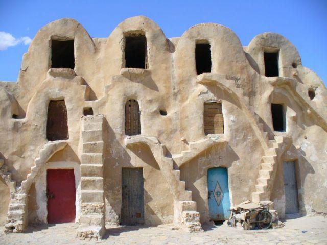 Zdjęcia: środek miasta -spichlerze, środkowo-zachodnia Tunezja, A wygląda jak domek, TUNEZJA