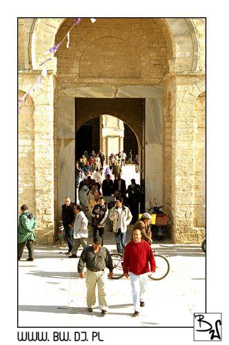 Zdjęcia: Mahdia, Mahdia, Wyjście z Meczetu w Mahdii, TUNEZJA
