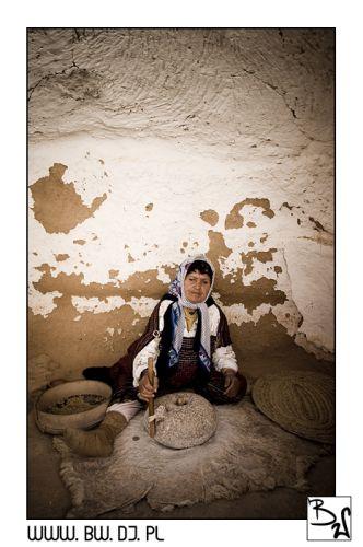 """Zdjęcia: Sahara, Południowa Tunezja, Babulinka """"na pokaz"""", TUNEZJA"""