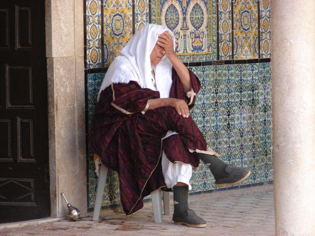 Zdjęcia: Kairouan, Kairouan, Meczet - sjesta, TUNEZJA