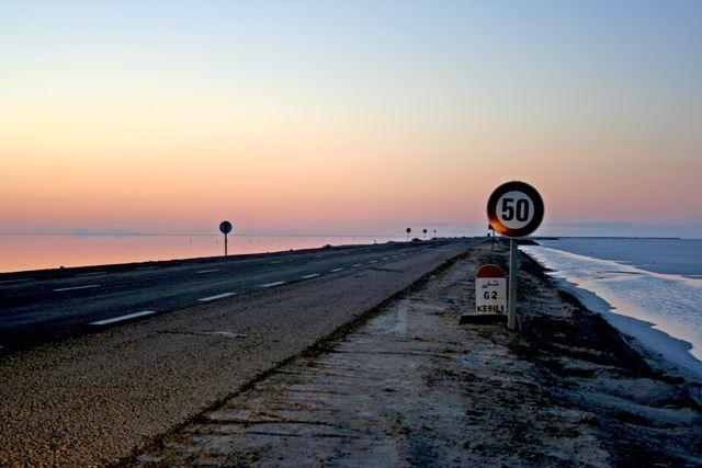 Zdjęcia: Szatt al Dżarid, Sahara, Droga, TUNEZJA
