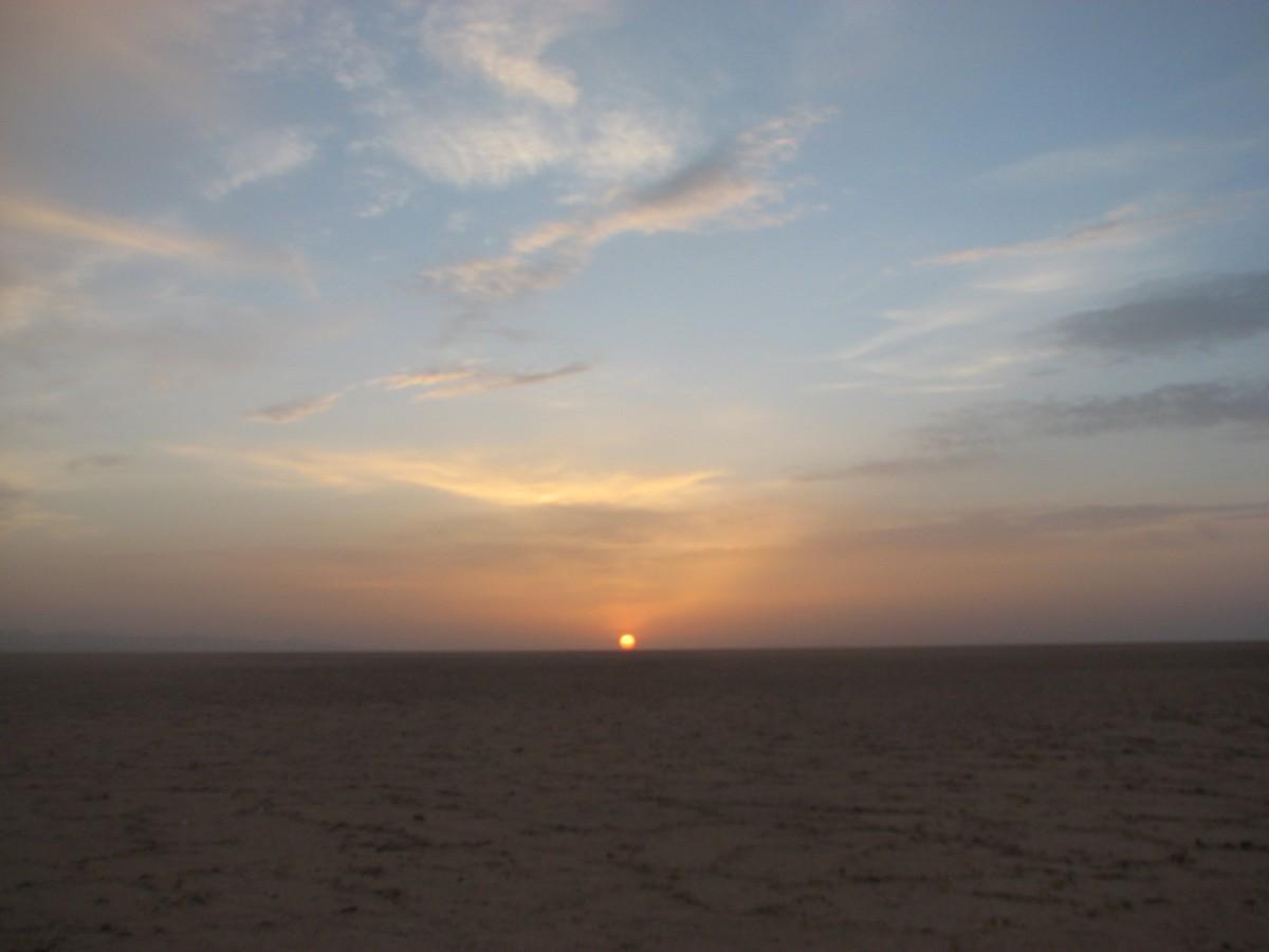 Zdjęcia: Szatt al-Dżarid, Wschodnia Tunezja, Wschód słońca, TUNEZJA