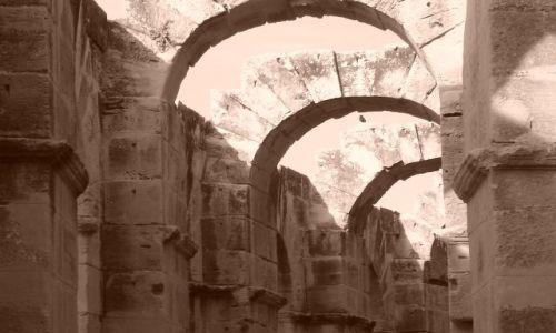 TUNEZJA / Wsch. Tunezja / El - Dżem / Amfiteatr w El - Dżem
