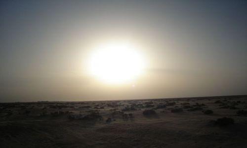 Zdjęcie TUNEZJA / Pd. Tunezja / Tozeur / Zachód słońca na obrzeżach Chott El Ahzem