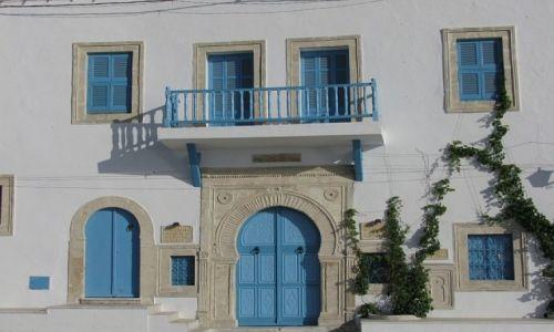 TUNEZJA / wybrzeże śródziemnomorskie / Mahdia / drzwi