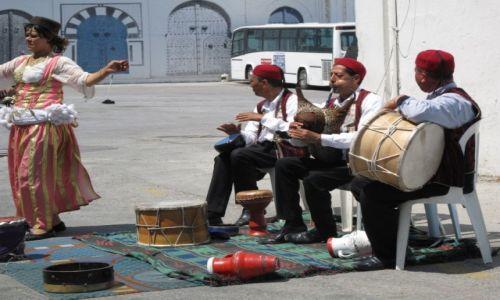 Zdjęcie TUNEZJA / Okolice Tunisu / Okolice Tunisu / Tunezyjscy grajkowie