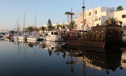 Zdjęcie TUNEZJA / Sahel Tunezyjski /  Port El Kantaoui / W porcie