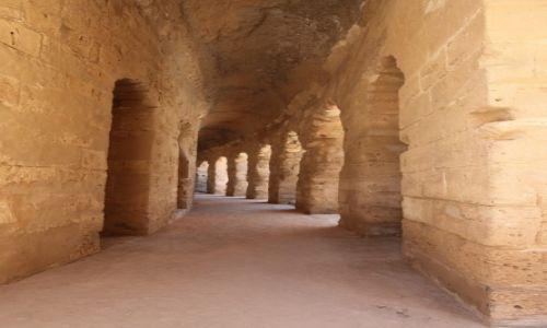 TUNEZJA / Sahel Tunezyjski / El Jem, Koloseum / Korytarze