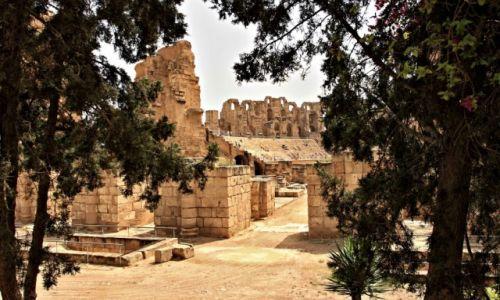 Zdjecie TUNEZJA /  wschodniej Tunezji. /  Al-Dżamm / Amfiteatr w Al-Dżamm.