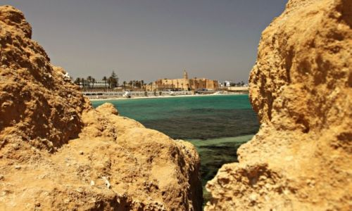 Zdjęcie TUNEZJA / środkowej części wschodniego wybrzeża / Monastir /  Ribat atrakcją Monastiru.