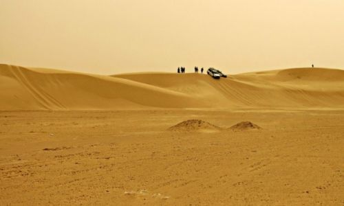 Zdjecie TUNEZJA / - / Sahara /  Przejazd jeepami po Saharze