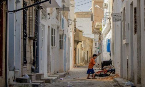 Zdjęcie TUNEZJA / Sousse / Médina  / prace porządkowe
