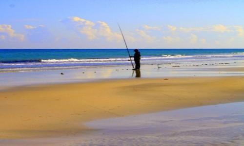Zdjecie TUNEZJA / Djerba / Midoun / Rybak i morze