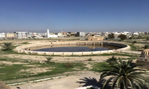 Zdjecie TUNEZJA / - / Kairouan / Jeden z basenów Aghlabidów