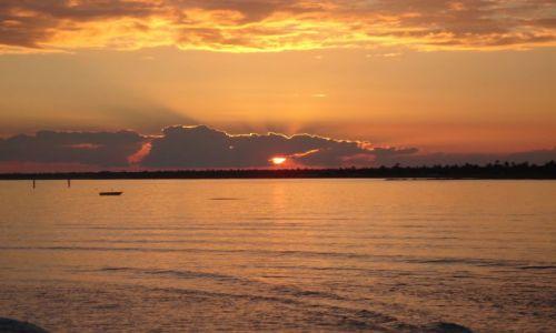 Zdjecie TUNEZJA / Djerba / Djerba / zachód słońca nad morzem